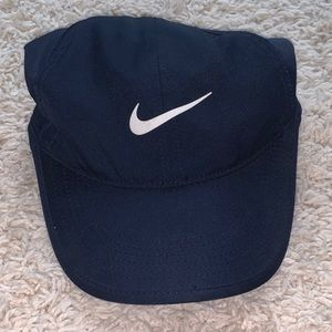 NEW NEVER WORN Nike Featherweight Hat
